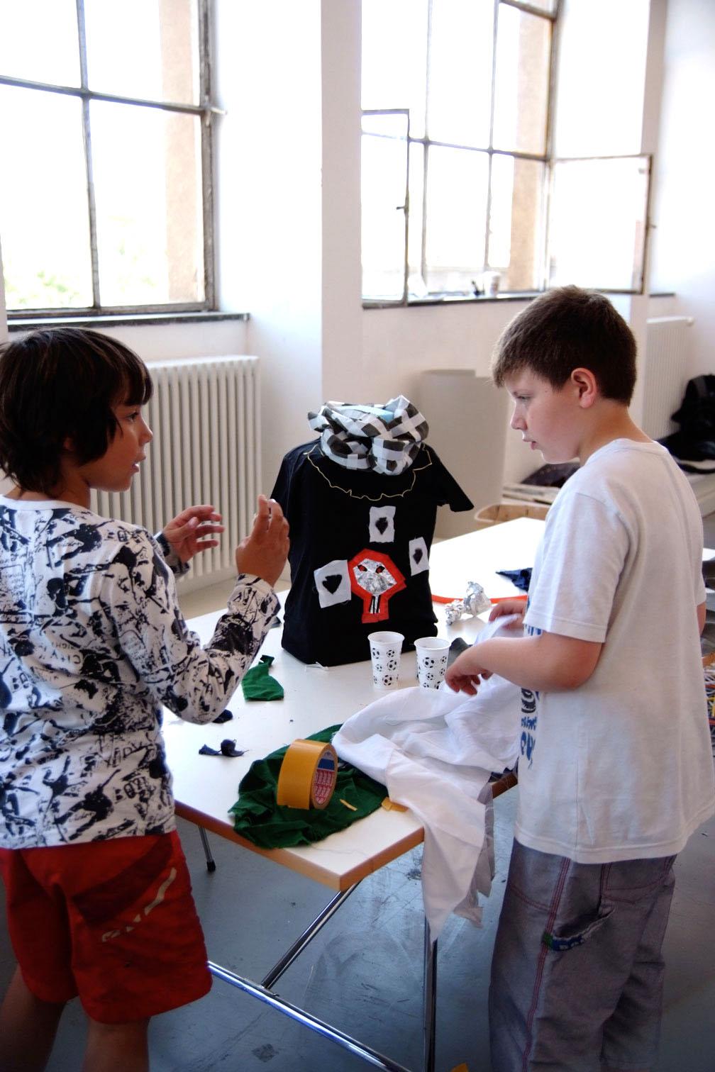 gerrit_schweiger-Rummel-2030-Zukunft-Kinder-Kreativität-Mode-Workshop-Modenschau-Ausstellung-09