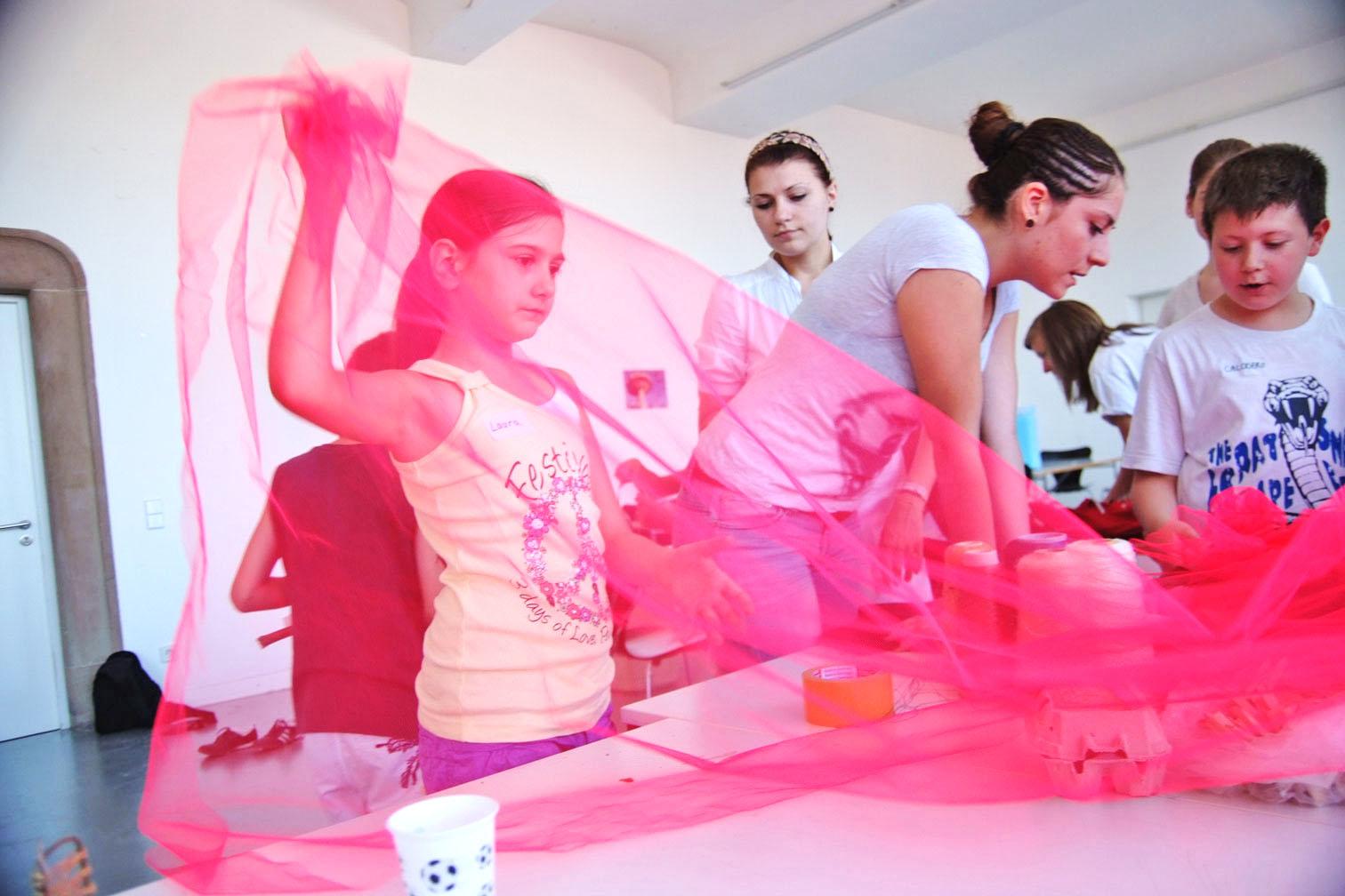 gerrit_schweiger-Rummel-2030-Zukunft-Kinder-Kreativität-Mode-Workshop-Modenschau-Ausstellung-11