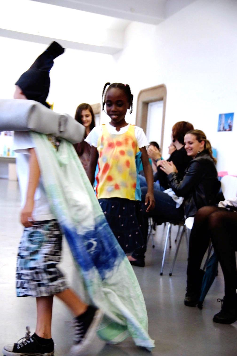 gerrit_schweiger-Rummel-2030-Zukunft-Kinder-Kreativität-Mode-Workshop-Modenschau-Ausstellung-13