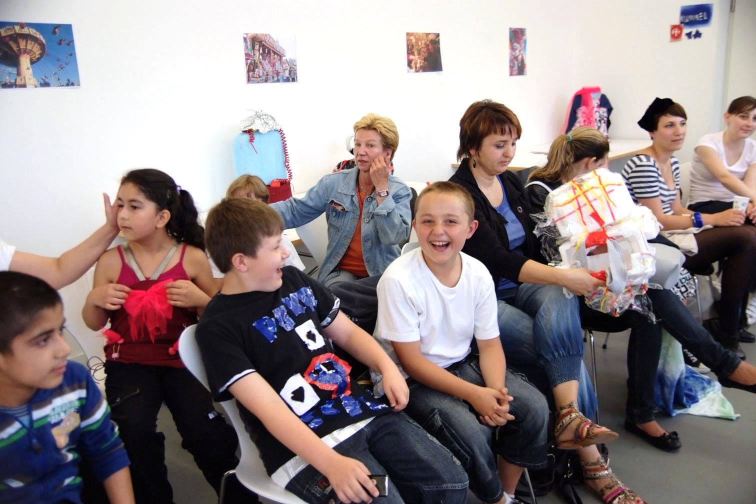 gerrit_schweiger-Rummel-2030-Zukunft-Kinder-Kreativität-Mode-Workshop-Modenschau-Ausstellung-_show09