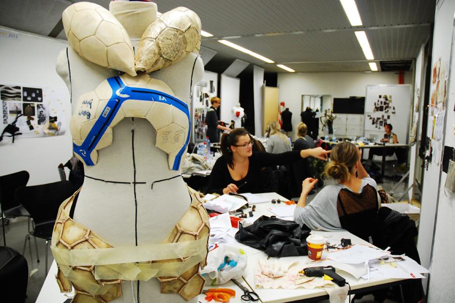 gerrit_schweiger-Young-European-Talents-Workshop-Exhibition-2013-Dokumentation-Fotos-Ressourcen_2.13